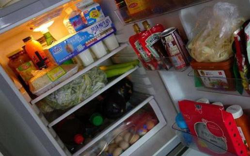Thực phẩm nóng có đặt được trực tiếp vào tủ lạnh? Đây mới thực sự là cách bảo quản thực phẩm nóng an toàn