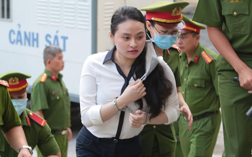 """Hot girl Ngọc Miu tiếp tục hầu tòa, xúc động khi gặp lại người thân: """"Ba nhớ giữ sức khỏe nha ba"""""""
