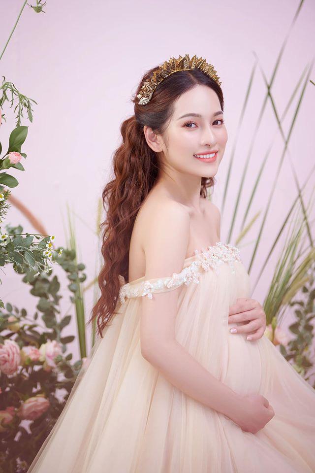 Bà xã Dương Khắc Linh tung trọn bộ ảnh bầu thai đôi đỉnh cao: Nhan sắc thế này bảo sao ông xã nghiện khoe! - ảnh 2