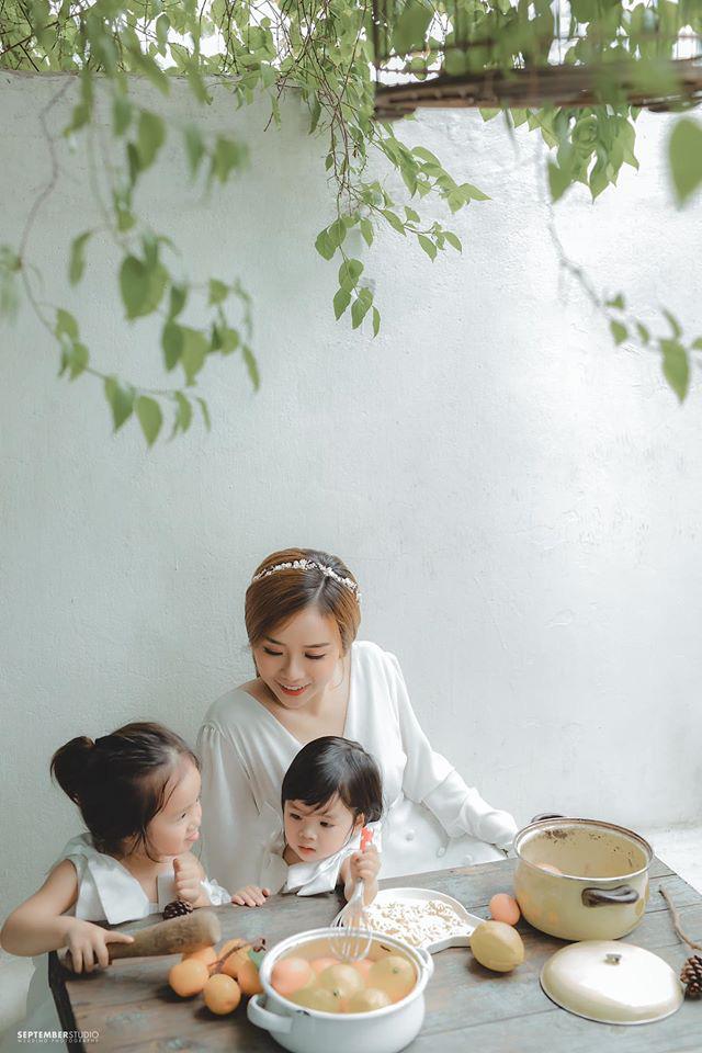 Vợ cũ Hoài Lâm khoe nhan sắc ấn tượng bên 2 con gái cưng, quyết bảo vệ nhóc tỳ trước sóng gió hậu tan vỡ - ảnh 6