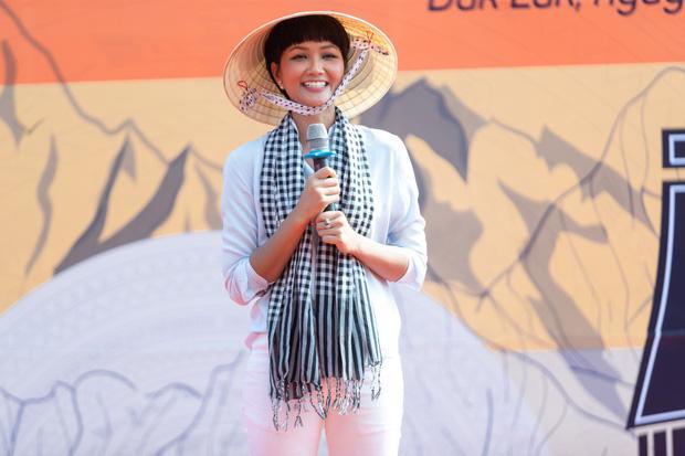 ASEAN vinh danh H'Hen Niê là Niềm tự hào của Đông Nam Á, trở thành biểu tượng lịch sử của nhan sắc Việt - ảnh 4
