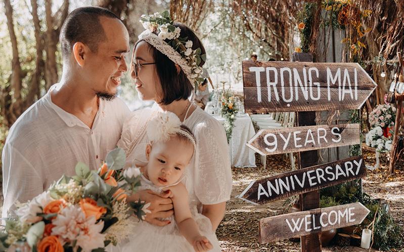 Tiệc kỷ niệm 9 năm ngày cưới lãng mạn như cổ tích, xem xong loạt ảnh ai cũng phải trầm trồ trước sự chuẩn bị
