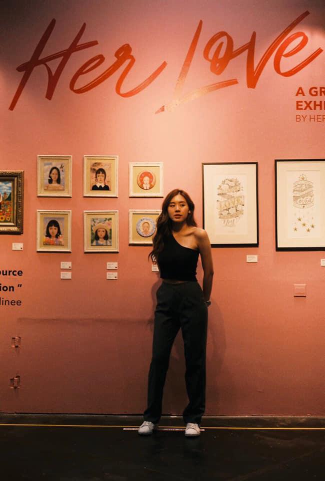Cô bạn thân của Lisa ở Thái Lan: Nhan sắc đẹp chẳng kém idol, style đơn giản mà vẫn sexy hết nút - Ảnh 16.