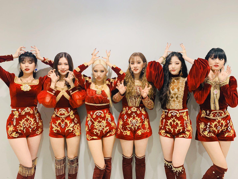 Netizen đồn đoán lý do thực sự khiến Miyeon ((G)I-DLE) không thể debut cùng BLACKPINK: Một nhóm không thể tồn tại đến 2 nữ hoàng nhan sắc? - Ảnh 5.