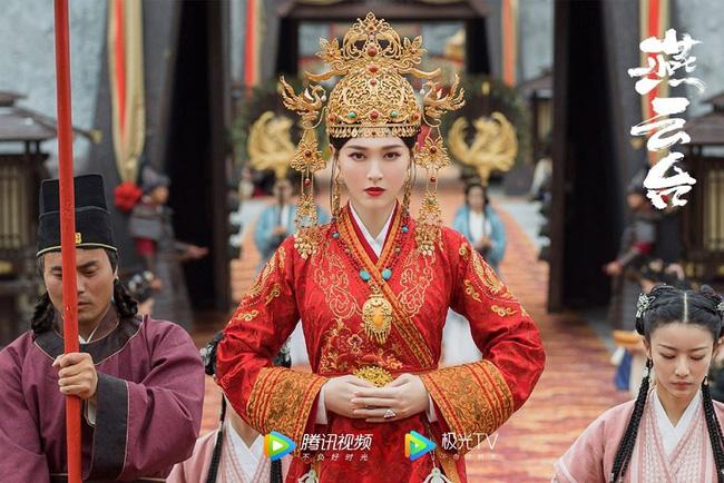 Nữ hoàng thị phi Dương Tử xuất kho, đối đầu với cặp chị đẹp Đường Yên – Xa Thi Mạn màn ảnh rộng Trung Quốc tháng 8 - ảnh 2