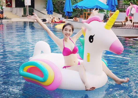 Từ Việt Nam ra thế giới, hội người yêu game thủ đua nhau diện bikini khoe body nóng bỏng đốt mắt người hâm mộ - Ảnh 16.