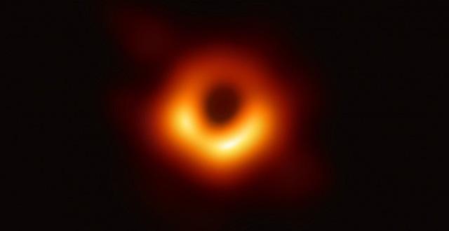 Phát hiện lỗ đen siêu khổng lồ nặng gấp 34 tỷ lần Mặt Trời, háu ăn đến mức mỗi ngày đều 'nuốt chửng' một ngôi sao - ảnh 2