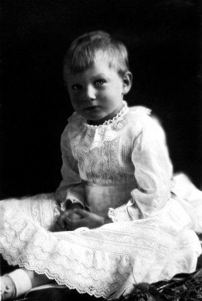 Vén màn bí mật về Hoàng tử mất tích của nước Anh: Chỉ hiện diện đến năm 4 tuổi rồi biến mất không dấu vết, cậu bé có thực sự tồn tại? - ảnh 2