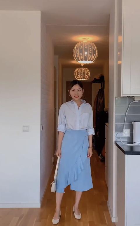 Mặc sơ mi trắng mãi rồi cũng chán, nàng công sở tìm ra thiết kế tương tự nhưng giúp chị em trẻ hơn vài tuổi - ảnh 3