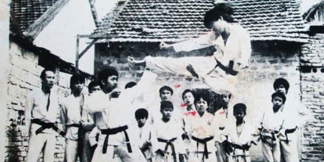 Vén màn võ sư Việt chuyên trấn áp côn đồ, một mình hạ 10 tên cướp ở Sài Gòn - ảnh 1