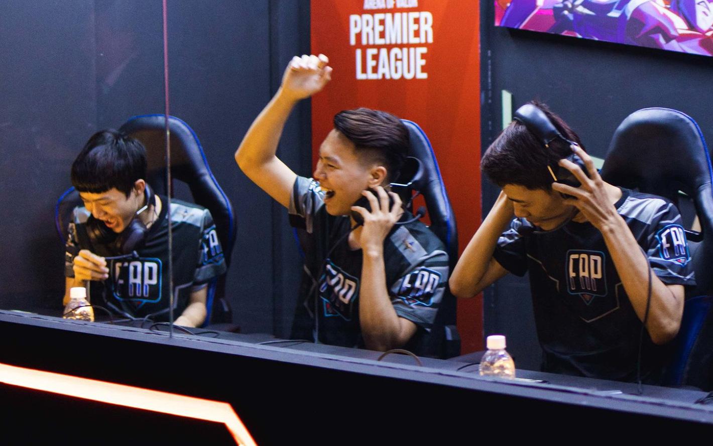 """APL 2020: """"NSND Khiên-G"""" lột xác ấn tượng giúp FAPTV thăng hoa, thắng cả Team Flash, hòa Buriram"""