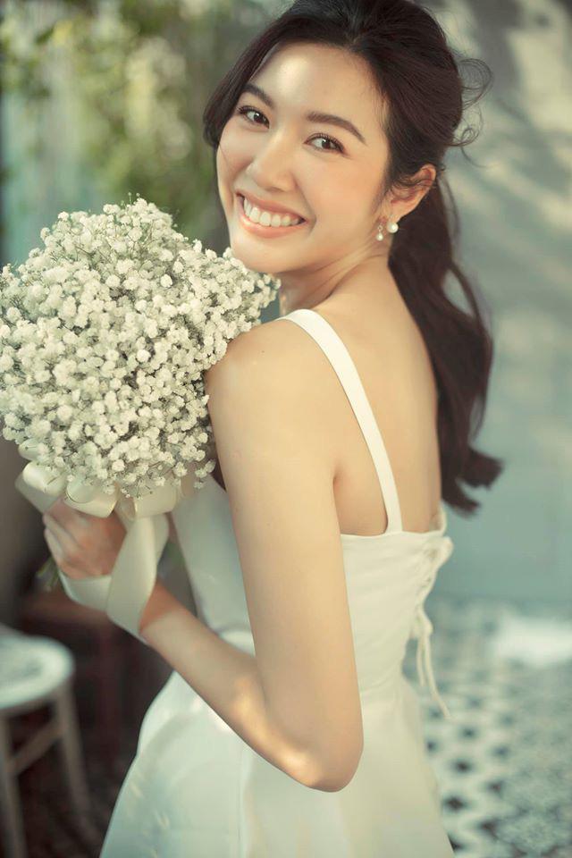 Thuý Vân chính thức hé lộ váy cưới: Lộng lẫy, gợi cảm thế này đích thực là cô dâu được mong chờ nhất tháng 7 rồi! - ảnh 5