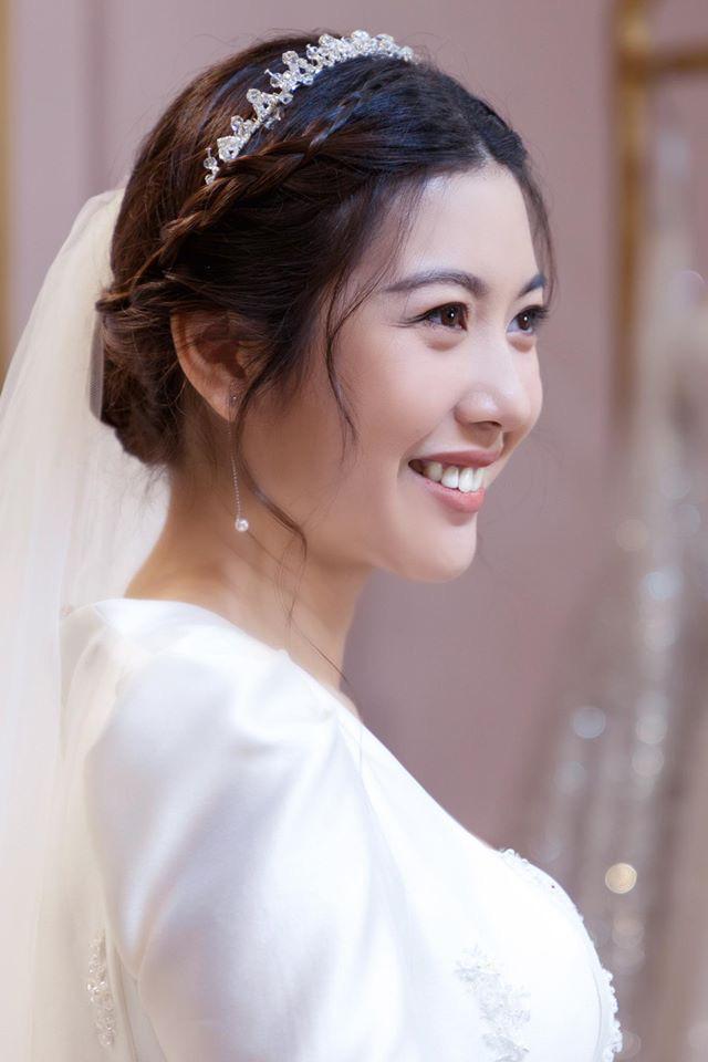 Thuý Vân chính thức hé lộ váy cưới: Lộng lẫy, gợi cảm thế này đích thực là cô dâu được mong chờ nhất tháng 7 rồi! - ảnh 3