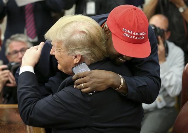 Ứng cử viên Tổng thống Mỹ Kanye West: Con rể đế chế Kardashian, thiên tài thị phi gây thù với Taylor Swift và cả showbiz - ảnh 10