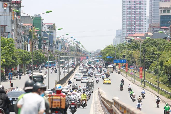 Sau ít ngày dịu mát, nắng nóng quay trở lại tại Hà Nội và các tỉnh phía Bắc - ảnh 1