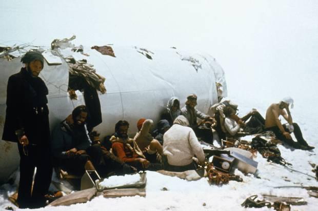 Lời kể nạn nhân vụ rơi máy bay ám ảnh nhất lịch sử: Phải ăn tử thi để sống, mang nỗi day dứt đến chết không thể nguôi ngoai - ảnh 8