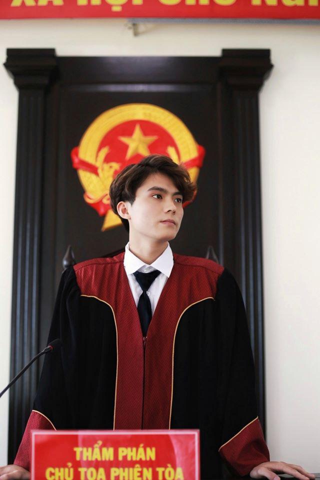 Nam sinh 1999 gây xôn xao khi ngồi ghế Thẩm phán, đẹp trai như tài tử Hàn Quốc - ảnh 2