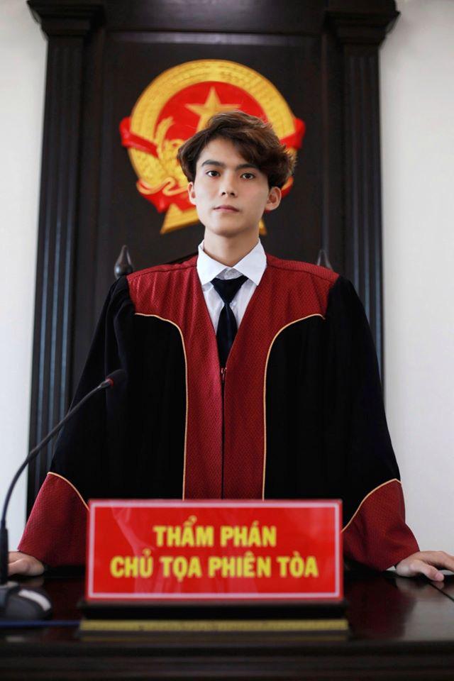 Nam sinh 1999 gây xôn xao khi ngồi ghế Thẩm phán, đẹp trai như tài tử Hàn Quốc - ảnh 3