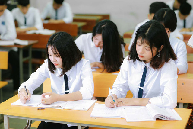 Số lượng thí sinh đăng ký xét tuyển đại học giảm 9.878, vẫn còn thời gian để điều chỉnh thông tin - Ảnh 1.