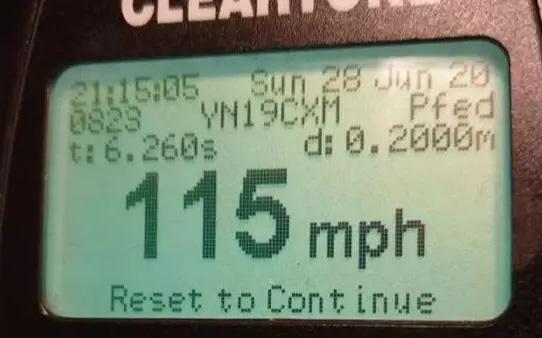 Chàng trai phi xe 185km/h để kịp về WC ''đánh cờ cùng...