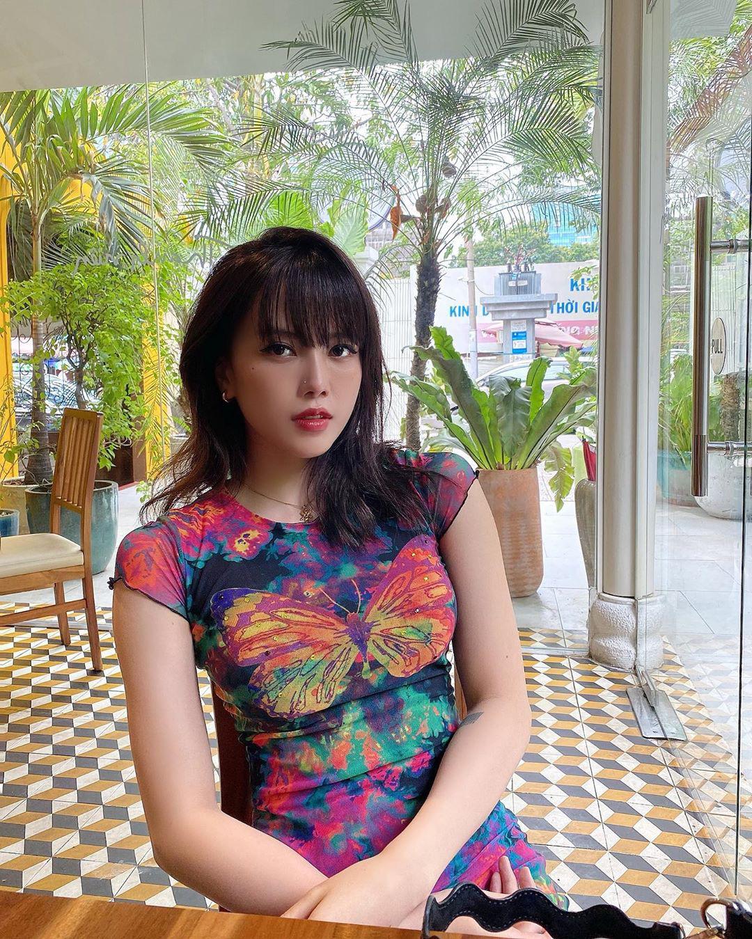 Bắt trend theo Jennie, Chi Pu… hội sành mặc phải sắm ngay các item hình bươm bướm để diện cho xinh và chuẩn mốt - Ảnh 7.