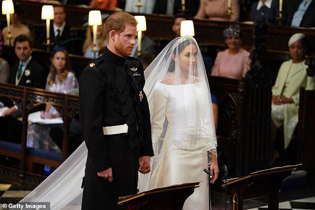 Xuất hiện cùng vợ và đưa ra nhận xét 'động chạm' Nữ hoàng, Harry khiến người hâm mộ và cả các chuyên gia phải choáng váng - ảnh 6