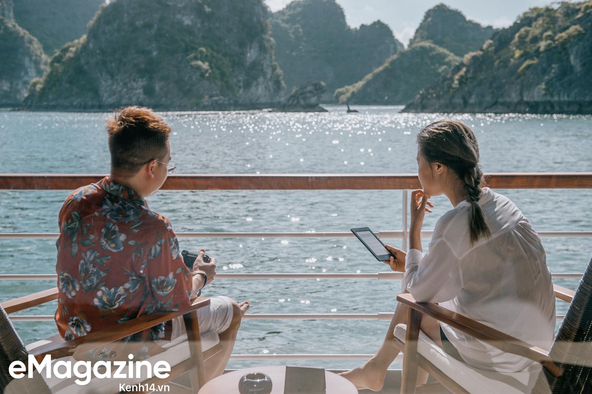 Trải nghiệm vịnh Lan Hạ đẹp như thơ trên du thuyền 5 sao để nhận ra: Đi du lịch ở Việt Nam có thể đẳng cấp chẳng kém chỗ nào! - Ảnh 11.