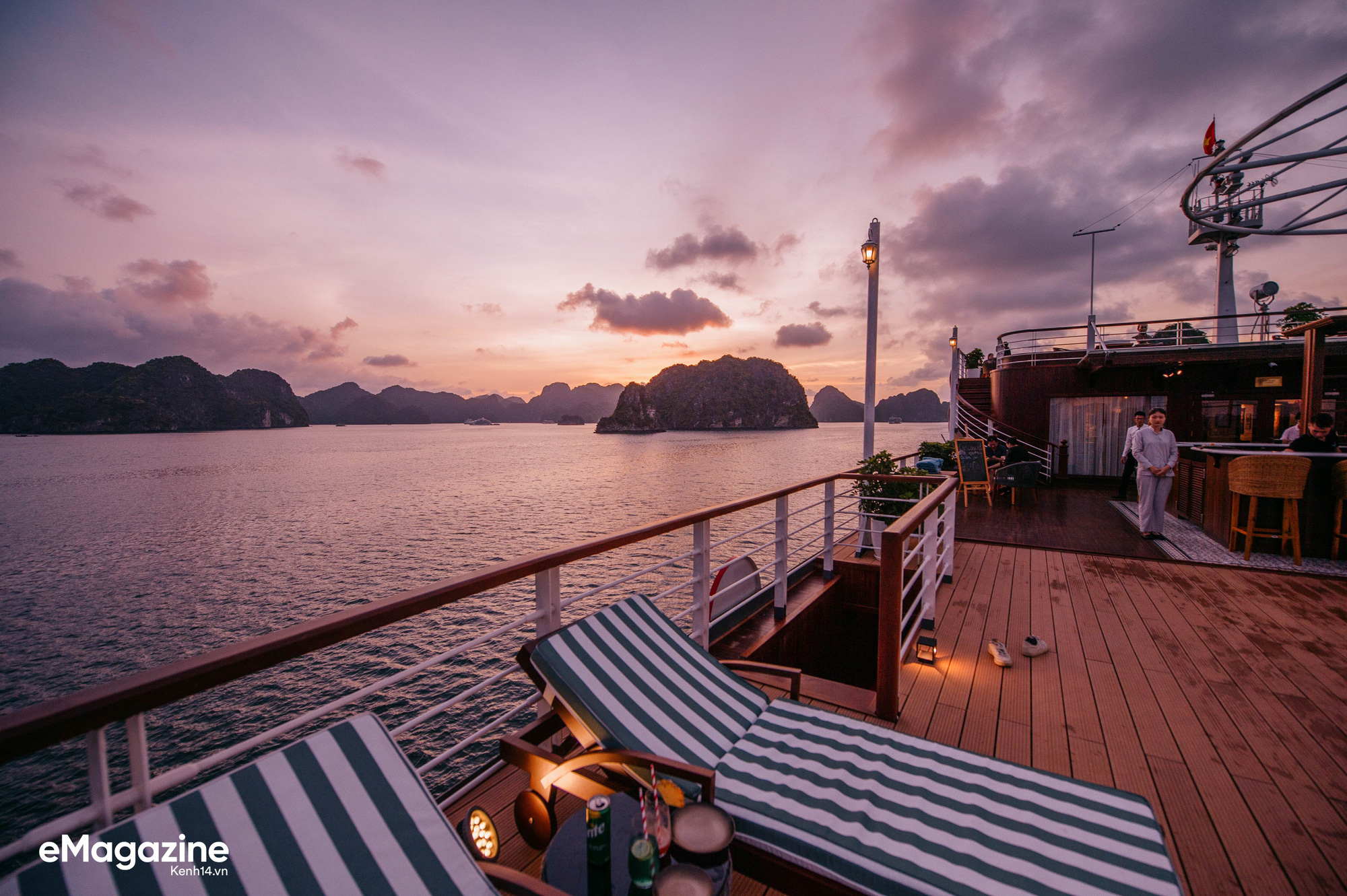 Trải nghiệm vịnh Lan Hạ đẹp như thơ trên du thuyền 5 sao để nhận ra: Đi du lịch ở Việt Nam có thể đẳng cấp chẳng kém chỗ nào! - Ảnh 9.