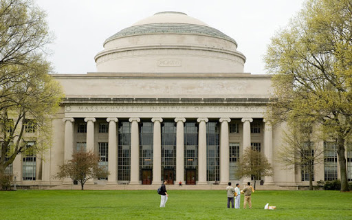 Hàng loạt các trường ĐH lớn ở Mỹ như Harvard, Stanford, MIT, New York... lên tiếng về khả năng sinh viên quốc tế bị trục xuất!