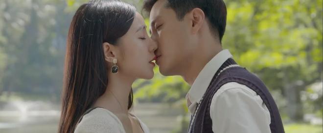 Đừng Bắt Em Phải Quên tập 23: Bị nghi có tiểu tam, anh giáo Thanh Sơn dỗ Quỳnh Kool bằng nụ hôn siêu ngọt - ảnh 11