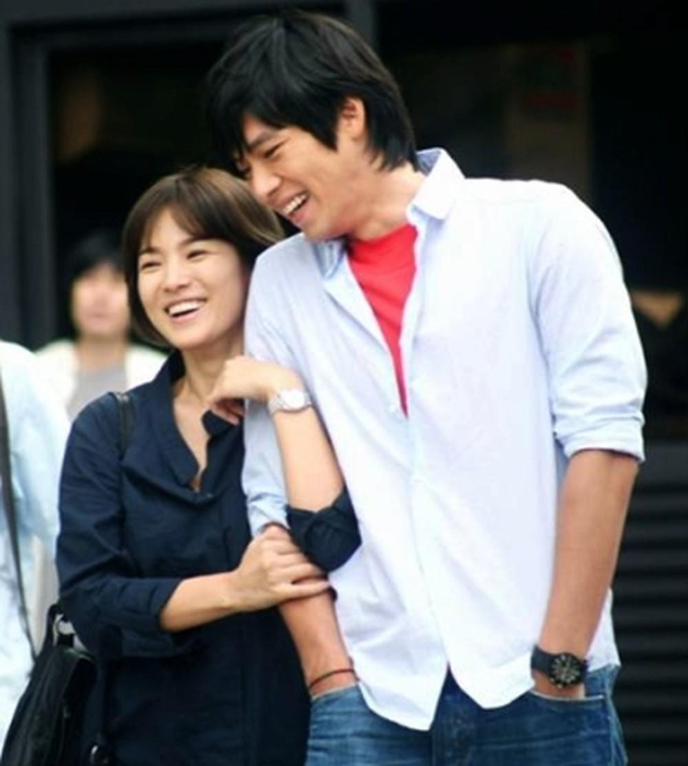 Loạt khoảnh khắc ngọt ngào giữa Song Hye Kyo - Hyun Bin sau 10 năm xem lại vẫn mê mẩn - Ảnh 16.