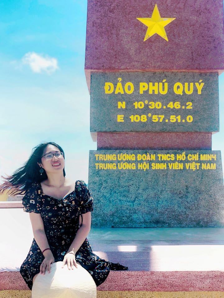 Cô nàng độc thân 26 tuổi lần đầu đi xuyên Việt bằng xe máy với 7 triệu và 17 ngày: Cả tuổi trẻ dành để đi bụi, sống không dũng cảm uổng phí thanh xuân! - Ảnh 23.