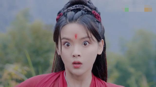 Dương Siêu Việt leo hot search vì màn trợn mắt muốn lọt con ngươi, Angela Baby - Trịnh Sảng bỗng được triệu hồi - ảnh 3