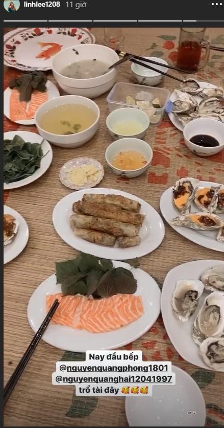 Quang Hải rạng ngời kế bên Huỳnh Anh khi chụp ảnh gia đình, đảm đang vào bếp trong ngày sinh nhật chị dâu - Ảnh 3.