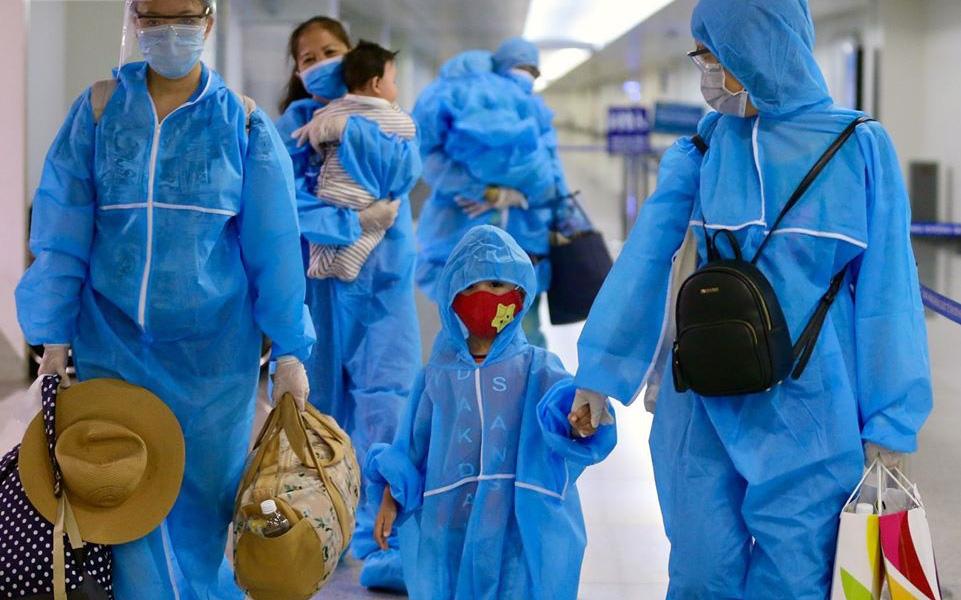 Chuyến bay đầu tiên chở du khách từ Đà Nẵng về TP. Hồ Chí Minh