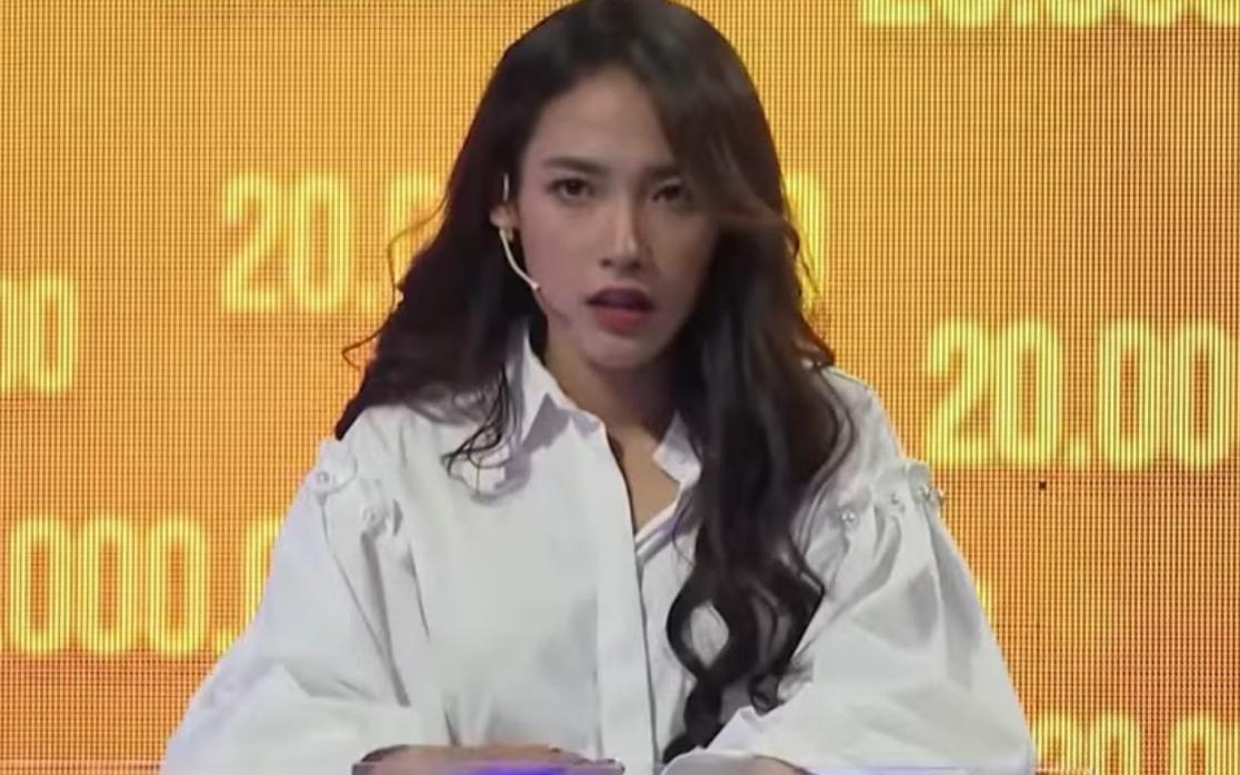 Bất ngờ về sự nhanh trí, thông minh của Cara Phương trên show truyền hình
