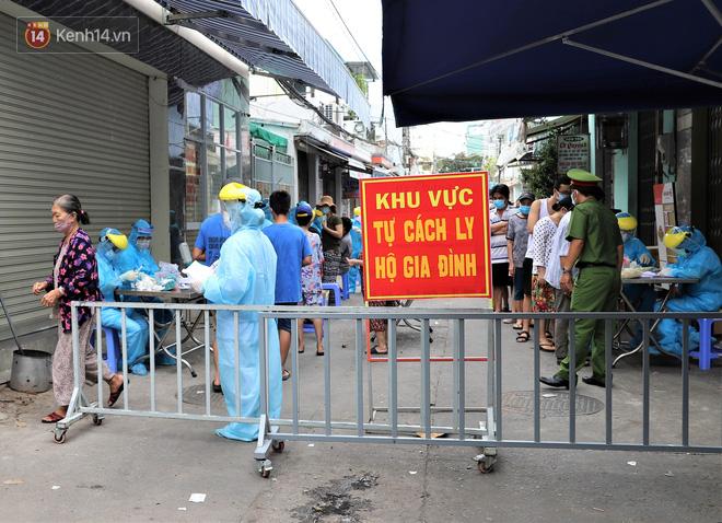 4 ca Covid-19 mới ở Quảng Nam: 3 bệnh nhân sống chung nhà, trong đó nam sinh 14 tuổi tiếp xúc với rất nhiều bạn bè - ảnh 1