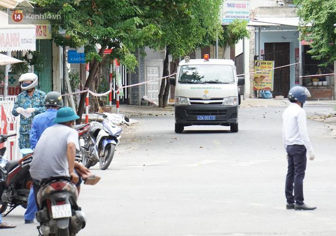 Lịch trình của 14 ca Covid-19 mới ở Đà Nẵng: Có người tiếp xúc với 7 bệnh nhân khác, người đi xe buýt, dự hội nghị, ăn liên hoan - ảnh 1