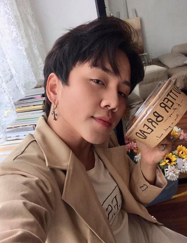 MC Miko Lan Trinh công khai chân dung người yêu chuyển giới, kể chuyện bị chỉ trích chỉ vì để nửa kia thắt dây giày hộ - Ảnh 5.