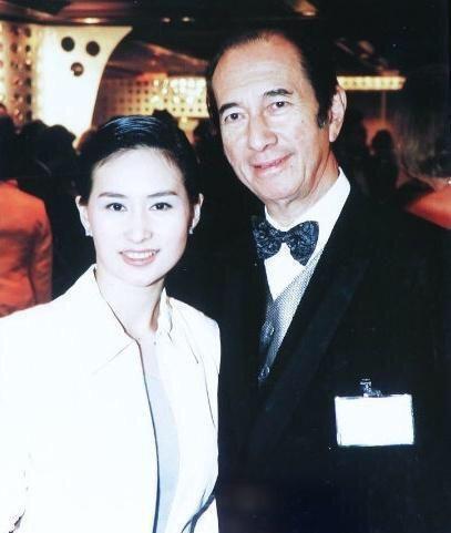 Chiêm ngưỡng loạt ảnh kiều diễm từ bé đến lớn của ái nữ mệnh phú quý Vua sòng bài Macau: Thuở thiếu nữ đẹp không khác mỹ nhân TVB - ảnh 2