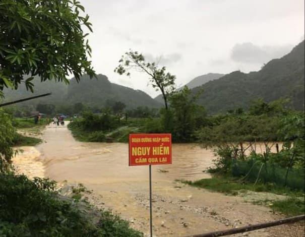 Bão số 2 gây mưa lớn ngập úng nghiêm trọng ở Nghệ An, nhiều địa phương bị chia cắt - ảnh 1