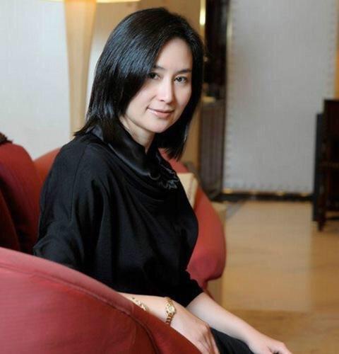 Chiêm ngưỡng loạt ảnh kiều diễm từ bé đến lớn của ái nữ mệnh phú quý Vua sòng bài Macau: Thuở thiếu nữ đẹp không khác mỹ nhân TVB - ảnh 21