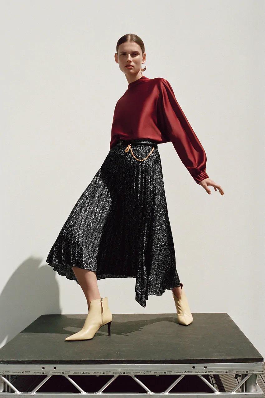 Hòa Minzy với 1 chiếc váy nhưng 2 số phận: Khi thì sang chảnh, cao ráo lúc lại vừa dừ vừa dìm dáng - Ảnh 5.