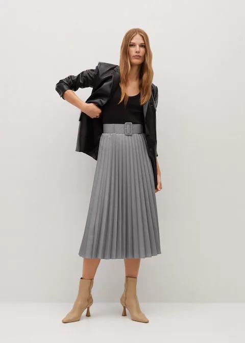 Hòa Minzy với 1 chiếc váy nhưng 2 số phận: Khi thì sang chảnh, cao ráo lúc lại vừa dừ vừa dìm dáng - Ảnh 9.
