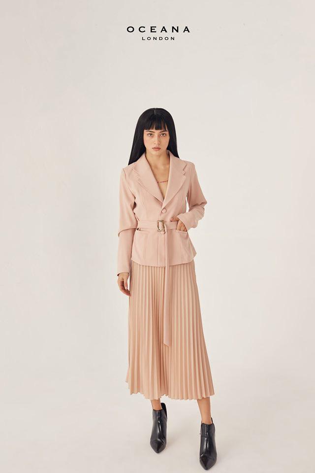 Hòa Minzy với 1 chiếc váy nhưng 2 số phận: Khi thì sang chảnh, cao ráo lúc lại vừa dừ vừa dìm dáng - Ảnh 11.