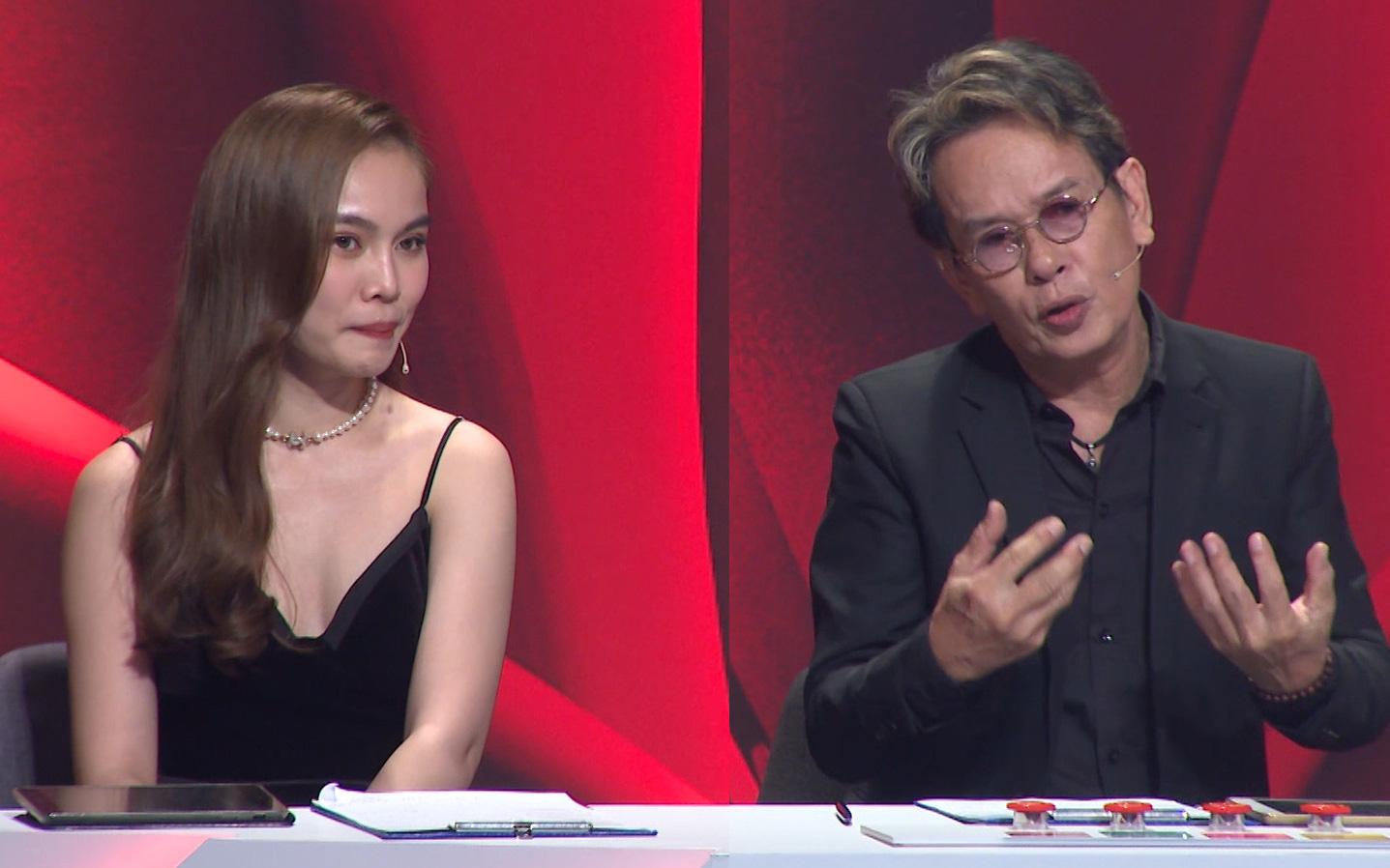 """Bảo vệ thí sinh, nhạc sĩ Đức Huy không ngại """"bẻ"""" Giang Hồng Ngọc trên sóng truyền hình"""