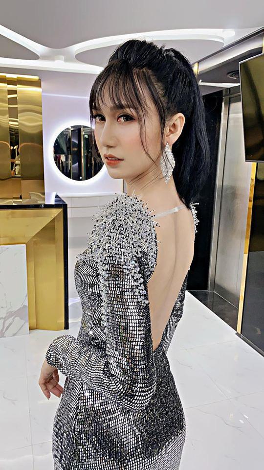 5 lần 7 lượt Lynk Lee ăn diện đặc sệt Hương Giang: Là học hỏi phong cách hay muốn làm bản sao của Hoa hậu chuyển giới? - ảnh 1