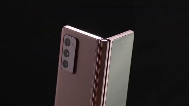 Galaxy Z Fold2 đã có video trên tay, xác nhận thiết kế mới lột xác - ảnh 1