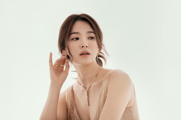 Song Hye Kyo tung bài phỏng vấn giữa liên hoàn thị phi hẹn hò, quan điểm tình cảm có bóng hình của Song Joong Ki? - ảnh 6