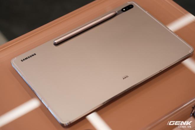 Ảnh thực tế Galaxy Tab S7 tại VN: Hai kích thước màn hình, sang trọng, gọn nhẹ! - ảnh 2
